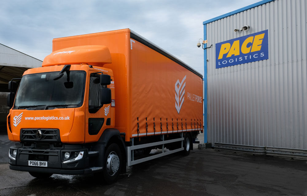 Pace Logistics Manchester pallet network delivery vehicle in the livery of Palletforce pallet network.